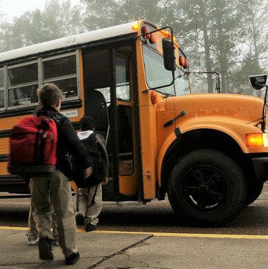 Scuola bus verdi per le città più inquinate