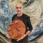 Saving the Earth, l'artista dietro l'opera